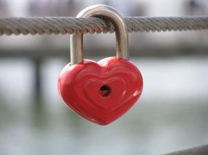 heart shaped pad lock