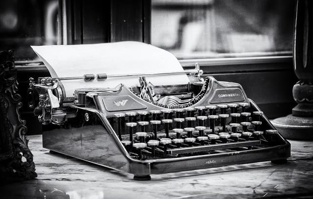 typewriter-3711589_640